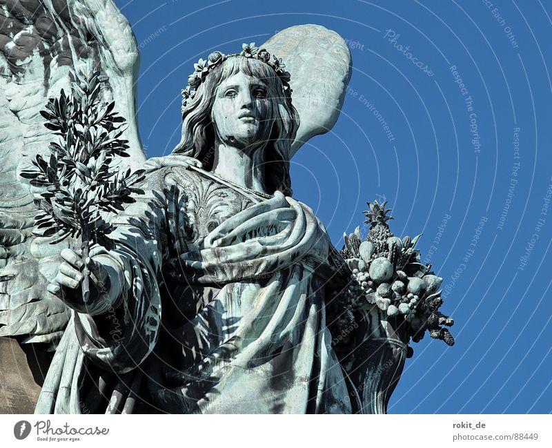 Send me an angel dick Wachsamkeit Rüdesheim Germania Rheingau Statue Trompete Krieg Blasmusik laut Blech Bronze Büste Skulptur Denkmal Kriegsgott Pokal Trophäe