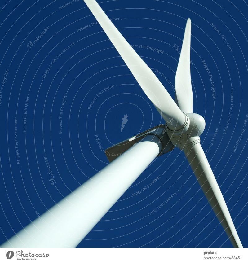 Don Q. - I Windkraftanlage Elektrizität alternativ Erneuerbare Energie ökologisch weiß drehen rotieren Sturm ruhig Umweltschutz Wolken Mühle Geometrie Summen