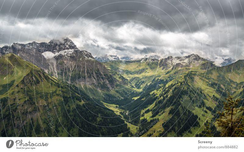 Ins Tal geblickt... Ferien & Urlaub & Reisen Tourismus Ausflug Abenteuer Ferne Freiheit Berge u. Gebirge wandern Natur Landschaft Himmel Wolken Sommer Wetter
