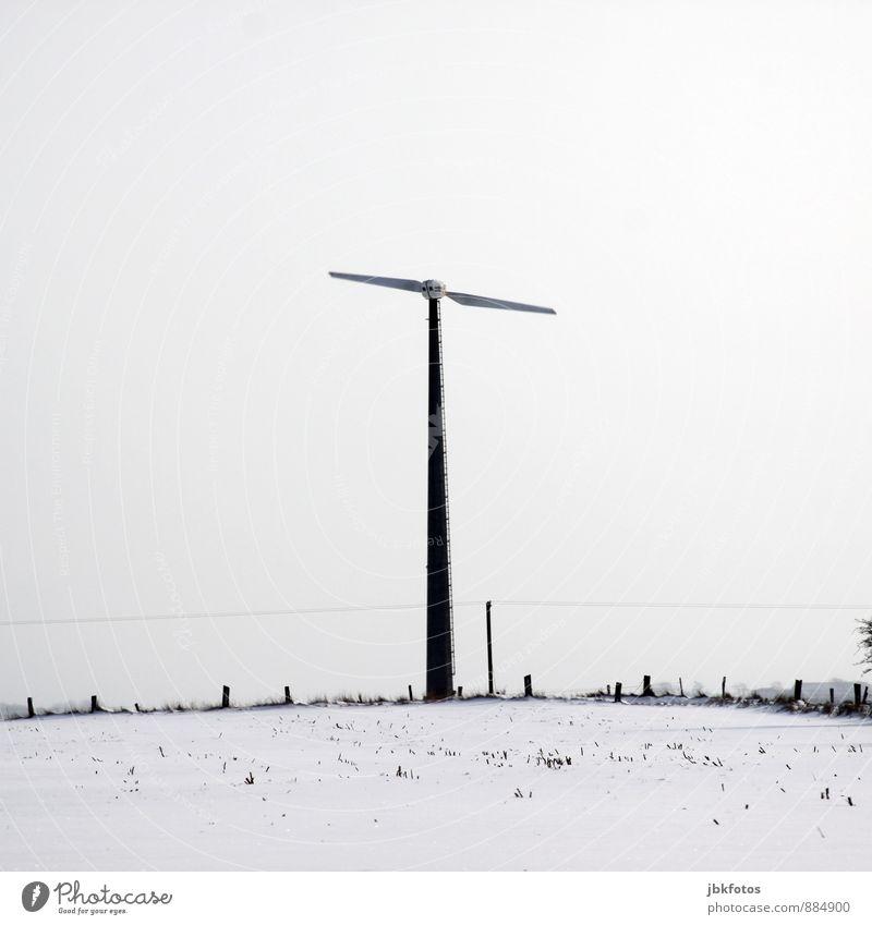 Energiewende 2.0 weiß Winter Bewegung Energiewirtschaft Eis Schneefall Wind Elektrizität Kabel Zaun Windkraftanlage Flügel drehen Hochspannungsleitung Windrad
