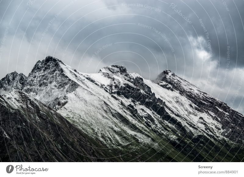 Cooler Dreier... Ferien & Urlaub & Reisen Tourismus Ausflug Abenteuer Ferne Berge u. Gebirge wandern Natur Landschaft Himmel Wolken schlechtes Wetter Felsen