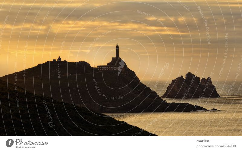 am Ende der Welt II Landschaft Himmel Wolken Horizont Sonnenaufgang Sonnenuntergang Sommer Wetter Schönes Wetter Gras Hügel Felsen Küste Riff Meer Insel
