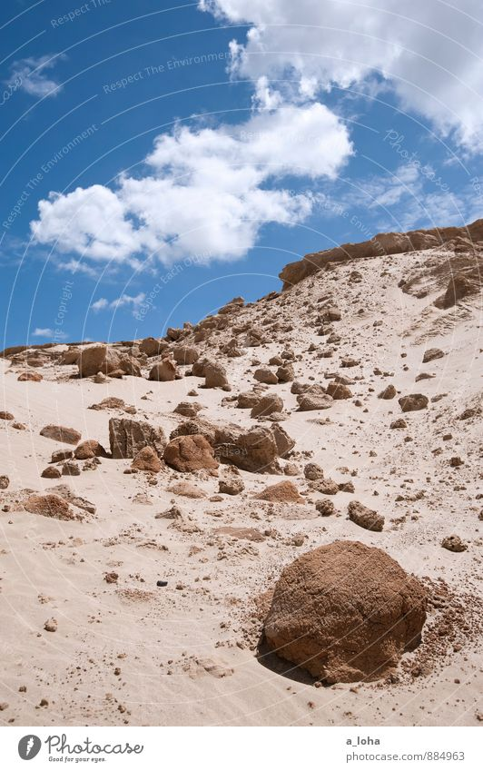 in the heat of the day Natur Landschaft Urelemente Erde Sand Himmel Wolken Sommer Schönes Wetter Wärme Dürre Strand Wüste trist trocken blau braun weiß Fernweh