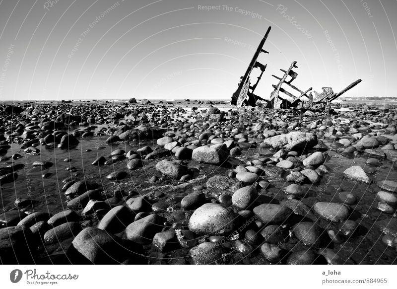 einmal ist immer das letzte mal Umwelt Natur Urelemente Wasser Wolkenloser Himmel Horizont Sommer Klima Schönes Wetter Felsen Küste Strand Riff Meer Schifffahrt