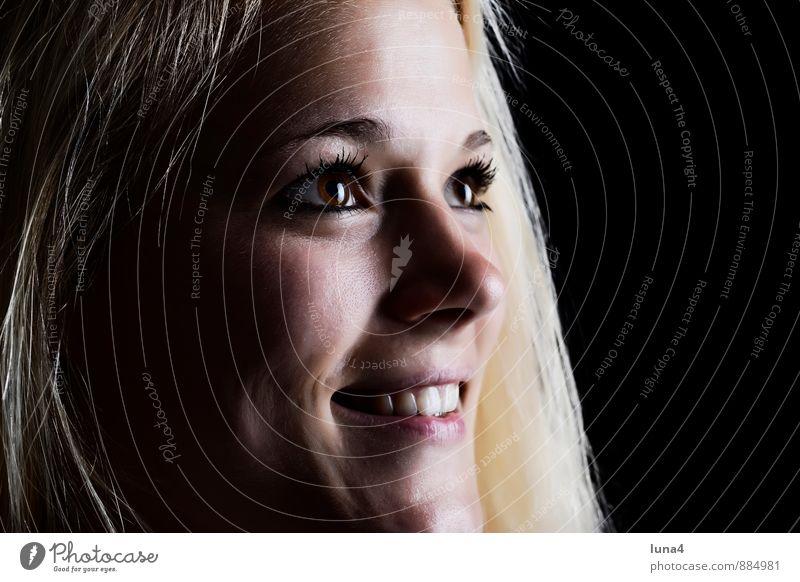 Glück Frau Jugendliche schön Junge Frau Freude schwarz Erwachsene Gesicht feminin lachen blond Fröhlichkeit Lächeln Lebensfreude langhaarig