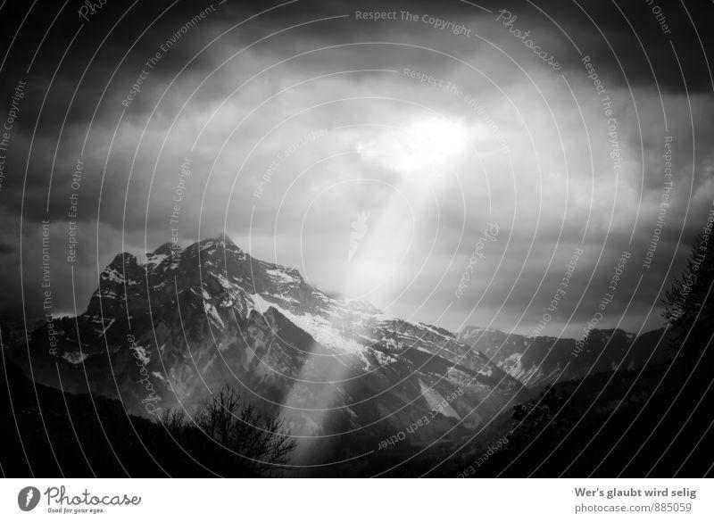 Le Spitz-Plateau Himmel Natur weiß Landschaft Wolken schwarz Winter dunkel Berge u. Gebirge Herbst Schnee Frühling grau Stimmung Horizont Felsen