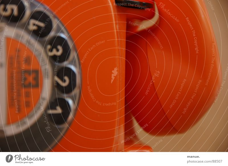 Don't hang up on me schön Farbe ruhig liegen orange Design Kommunizieren Telefon retro Vergangenheit Telefongespräch Rede verbinden Siebziger Jahre Sprache