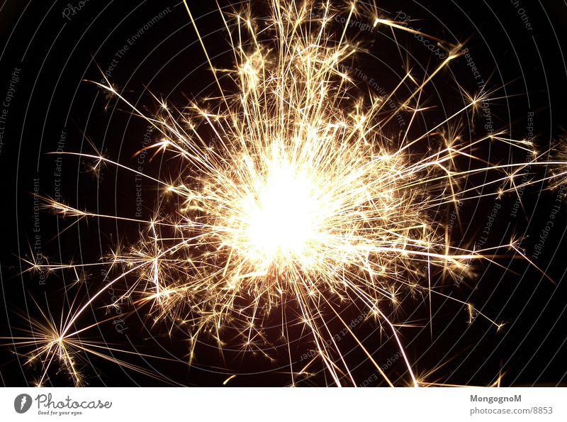 Wunderkerze Silvester u. Neujahr Langzeitbelichtung Funken