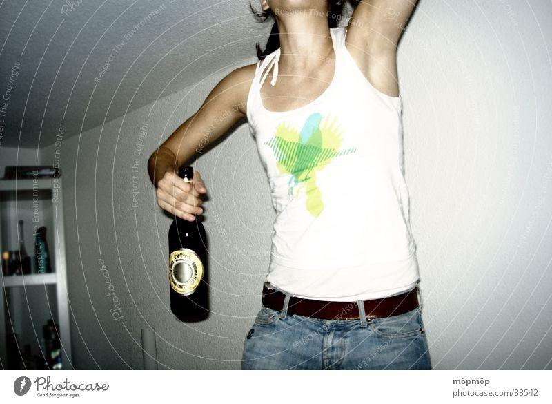 bier her ... Mensch Frau weiß grün Freude gelb grau springen Party Vogel Feste & Feiern Raum Arme Geburtstag T-Shirt trinken