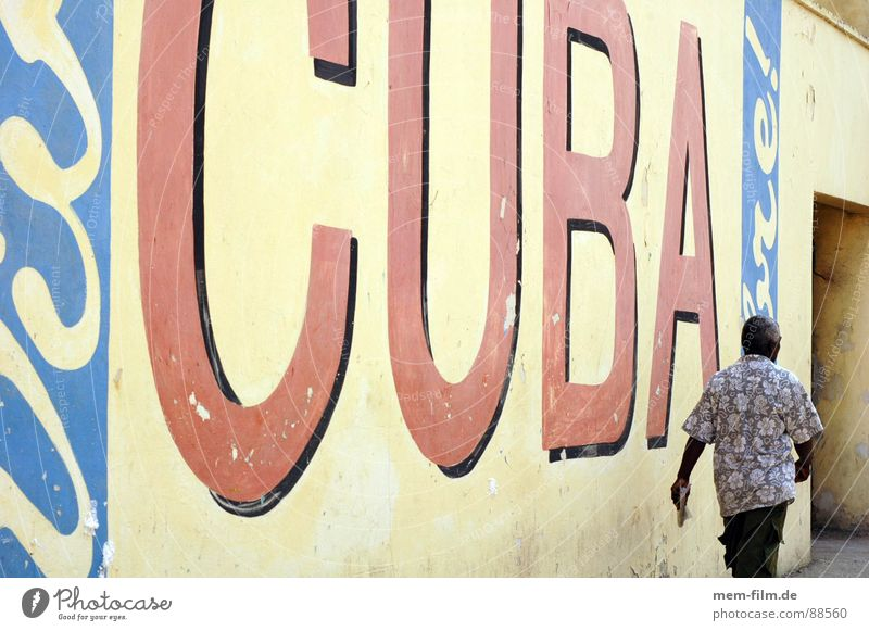cuba libre grün blau Stadt Ferien & Urlaub & Reisen Straße Graffiti Erde gehen Armut Hochhaus 3 Tourismus Kommunizieren Werbung Kuba