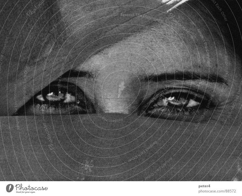 Augenblicke 9 Mensch Auge Stoff fremd verpackt heimatlos