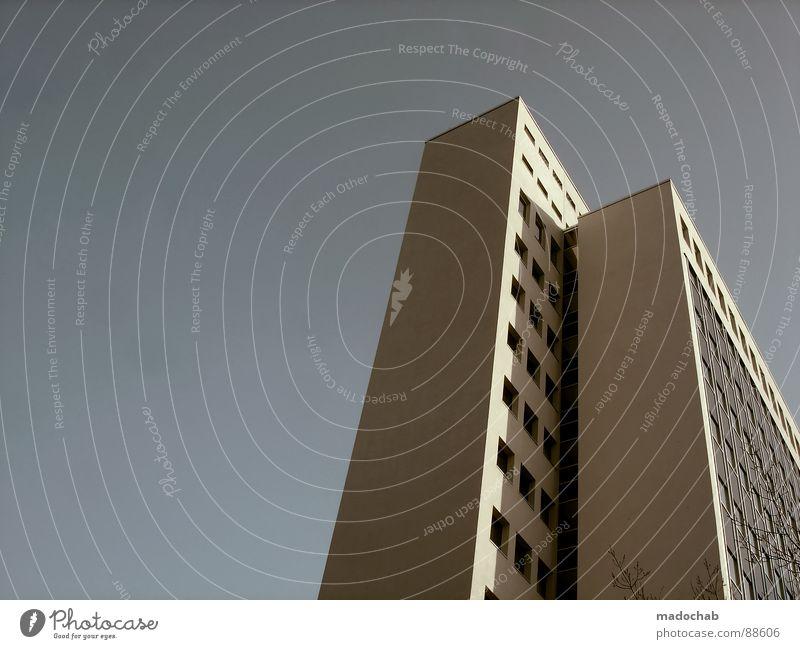 WEITER | URBANLOVE™ IS GROWING... Himmel Stadt blau Wolken Haus Fenster Leben Architektur Gebäude Freiheit fliegen oben Arbeit & Erwerbstätigkeit Wohnung Design Wetter