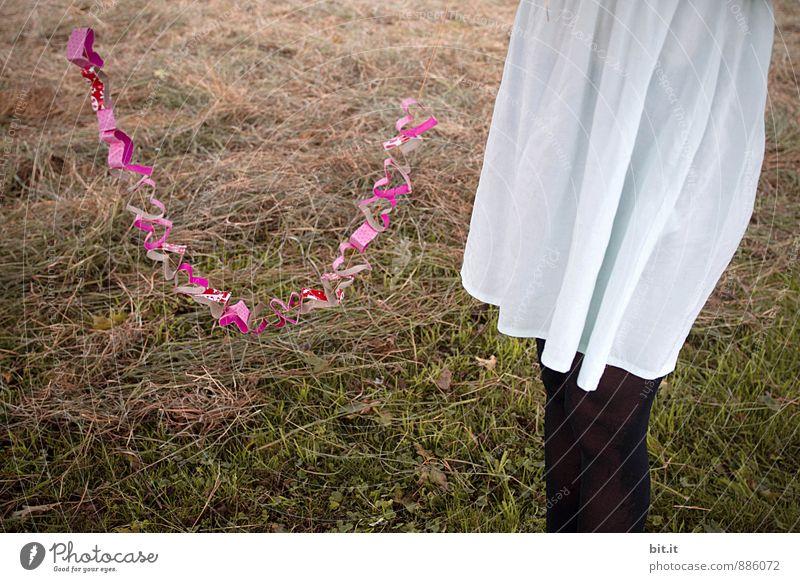 Peace | make Love... Natur Ferien & Urlaub & Reisen Sommer Erholung Junge Frau ruhig Freude Wiese Liebe Spielen Glück Feste & Feiern Freundschaft träumen