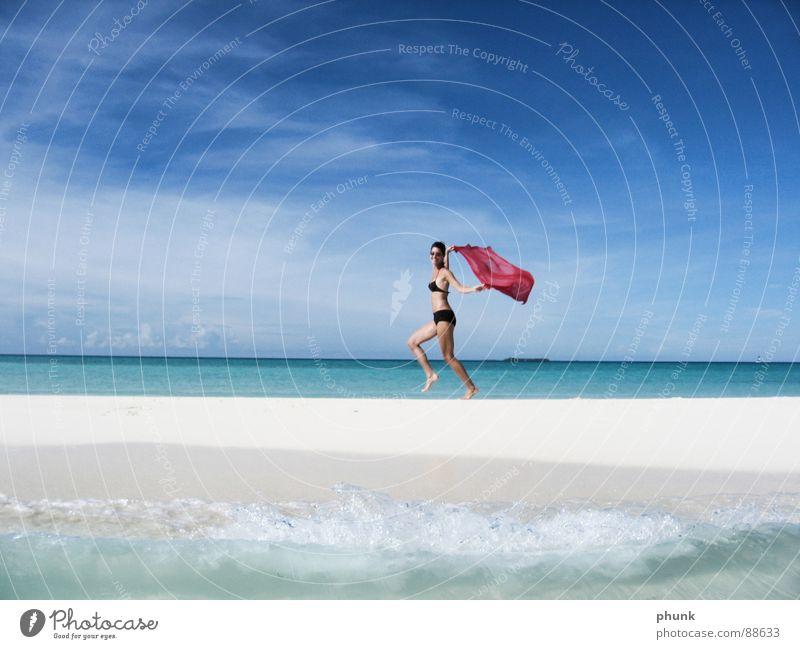 strandlauf#1 Frau Wasser schön Ferien & Urlaub & Reisen Sonne Meer Freude Strand springen hell Wetter laufen Romantik Klarheit Bikini Indien