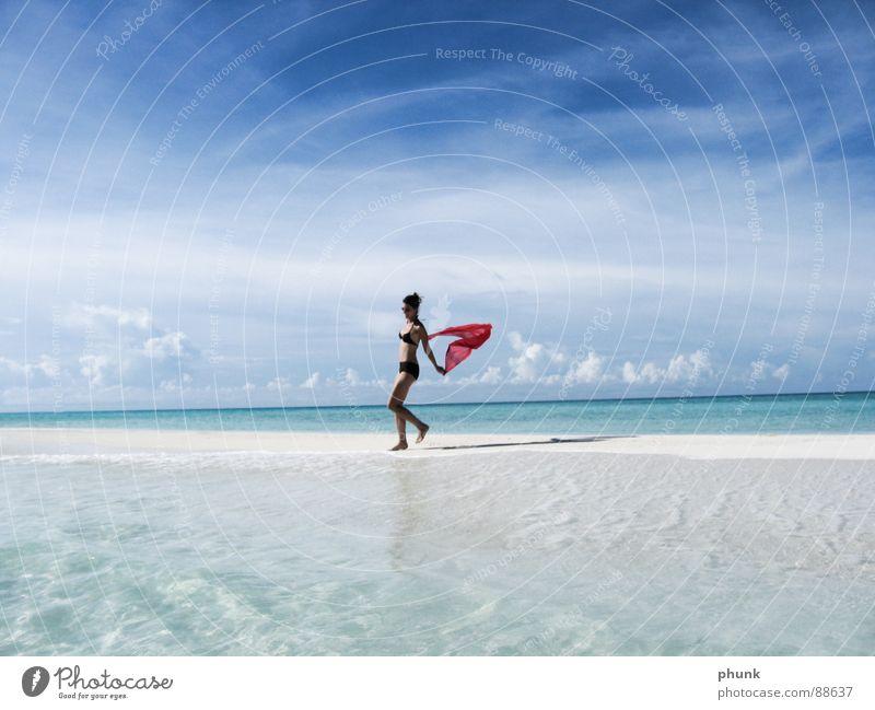 strandlauf#5 Strand Meer Ferien & Urlaub & Reisen Frau springen hüpfen Bikini Malediven Indien schön Schifffahrt Spielen Sonne laufen Freude Wasser Wetter