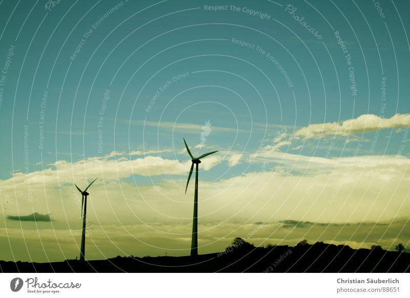 TWINS Himmel weiß blau Wind Industrie Flügel Windkraftanlage ökologisch rotieren Schaufel Rotor Erneuerbare Energie