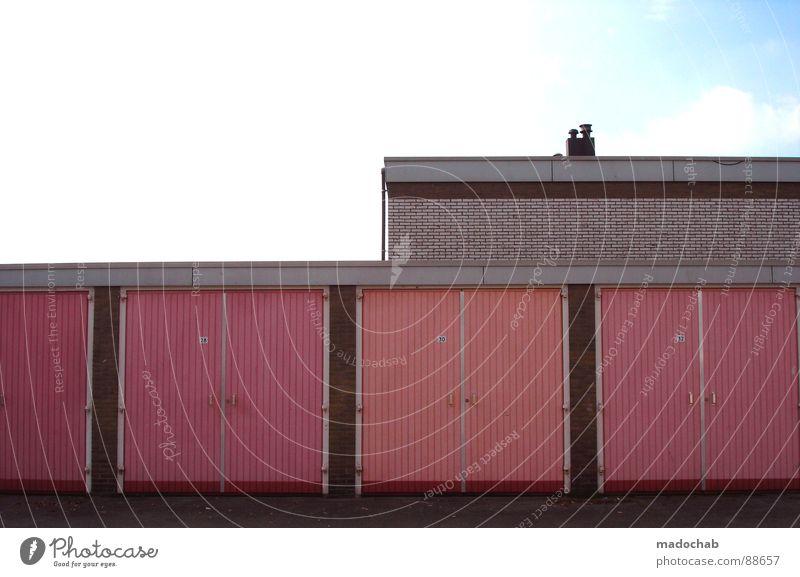 UNEMPLOYED IN SUMMERTIME Gebäude Stadt rosa magenta Garage Quader Rechteck graphisch Hinterhof Einsamkeit Wolken Architektur Langeweile Häusliches Leben
