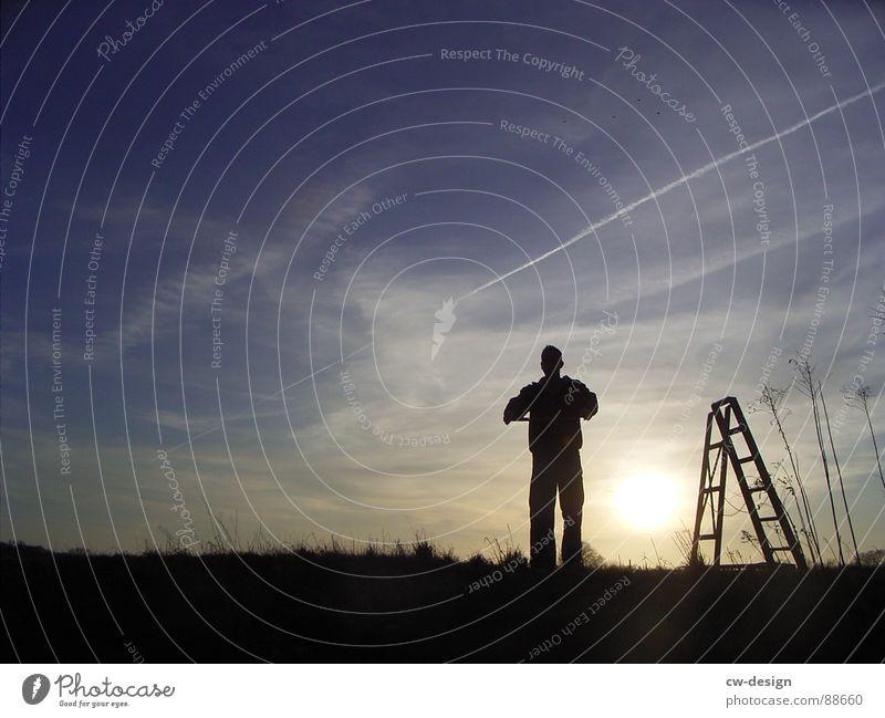 * Der durChgepe!tschte II * Mensch Himmel Mann Wasser schwarz Landschaft Gras Glück Schlagwort Feld Schilder & Markierungen maskulin Erfolg Aktion leer stehen