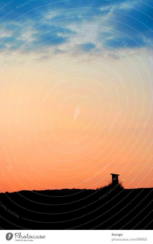 Treffen sich zwei Jäger... Natur Himmel ruhig Wolken Einsamkeit Leben dunkel Erholung Berge u. Gebirge träumen Landschaft orange Horizont Hoffnung Romantik