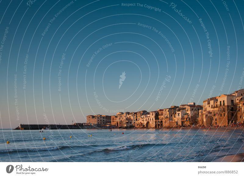 Amore mit viel Mio ... Ferien & Urlaub & Reisen alt blau Stadt Meer Reisefotografie Architektur Küste Gebäude Stil Fassade Idylle Tourismus Insel fantastisch