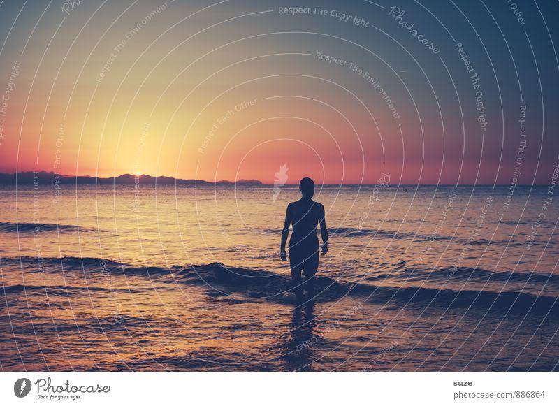 Mach das Licht aus, wenn Du gehst ... Mensch Himmel Natur Ferien & Urlaub & Reisen Jugendliche Mann Meer Einsamkeit Junger Mann Erwachsene Umwelt