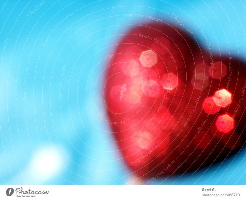 Herzfehler blau rot Liebe Herz glänzend verrückt Dekoration & Verzierung Symbole & Metaphern türkis Gruß Valentinstag grell himmelblau hell-blau knallig herzlich