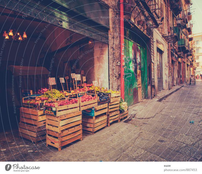 Seid fruchtbar :) Ferien & Urlaub & Reisen Stadt alt Architektur Gebäude Lebensmittel Fassade Frucht dreckig trist frisch Tourismus authentisch Ernährung