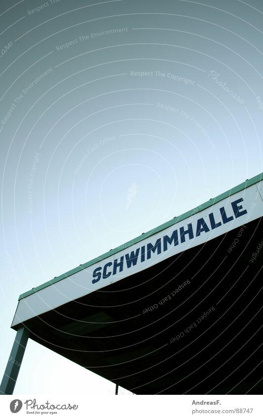 Schwimmhalle Dach Cottbus Schwimmbad Stadt Wassersport tauchen Bademeister Detailaufnahme Sport Bewegung Lagerhalle Himmel Schwimmen & Baden