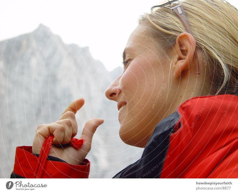 The space between Frau Hand Berge u. Gebirge wandern Finger Lücke