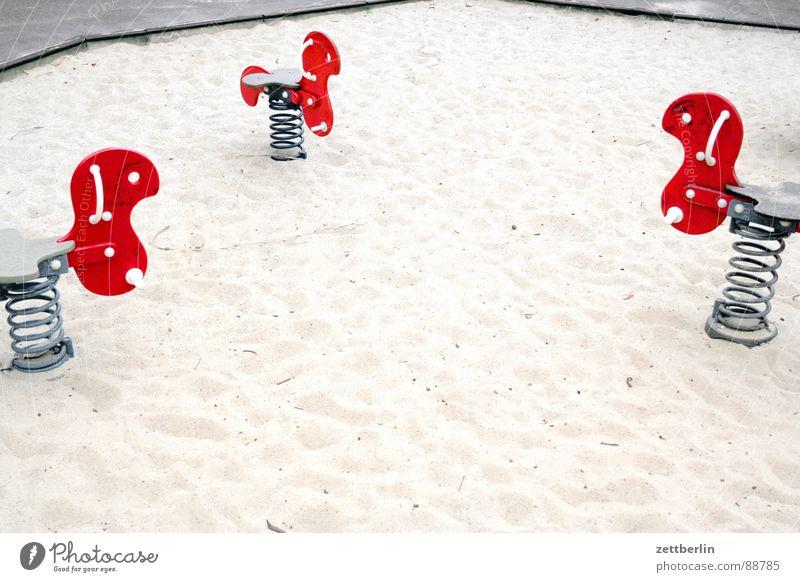 Spiel und Spaß = fun and games Spielplatz Spielzeug Sitzung Spaßgesellschaft Spielen Bildung Kommunizieren hoppehoppereiter demografischer faktor