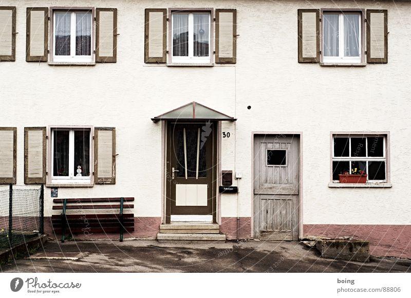 SUBURBANLOVE™ | 30 Gebäude Bauernhof Hof Haus Dorf Fenster Häusliches Leben live Architektur Handwerk Scheune Tür Tor Fensterladen Treppe Eingang Ausgang