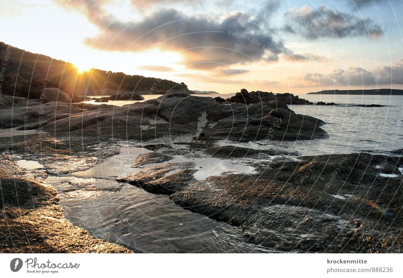 Osolemirnix Umwelt Landschaft Himmel Wolken Sonne Sonnenaufgang Sonnenuntergang Sonnenlicht Hügel Felsen Wellen Küste Strand Bucht Meer Insel genießen blau gelb
