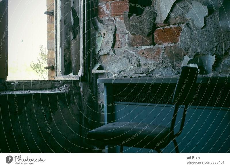 Restless Time II alt Einsamkeit Innenarchitektur Stil Raum dreckig Häusliches Leben Armut Wandel & Veränderung Schutz Stuhl Umzug (Wohnungswechsel) Möbel