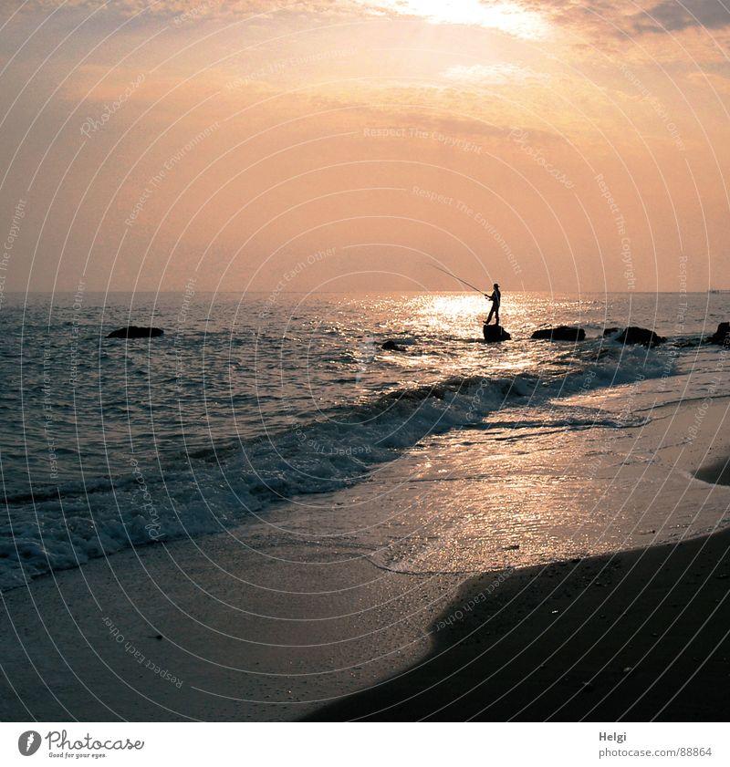 Abendstimmung am Meer ... Mensch Himmel Natur Ferien & Urlaub & Reisen Mann Sommer Wasser Sonne Erholung Wolken Freude Strand Erwachsene Küste klein