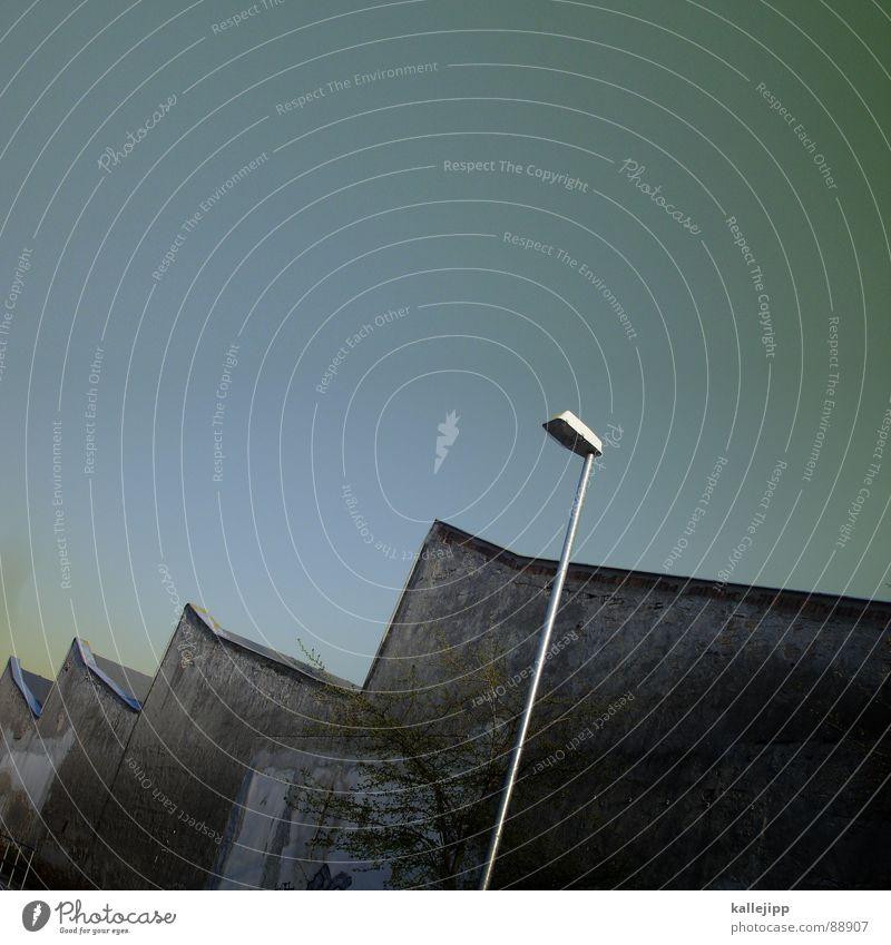 bsp Lampe Arbeit & Erwerbstätigkeit Industriefotografie Fabrik Dach Beruf Laterne Handwerk Handwerker Arbeiter fleißig Einkommen Fabrikhalle Zickzack
