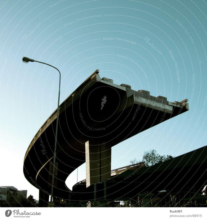 to finalise blau dunkel Traurigkeit Beton hoch verrückt Brücke Trauer Afrika Autobahn Verkehrswege Schönes Wetter Schwung Bogen Strebe Südafrika