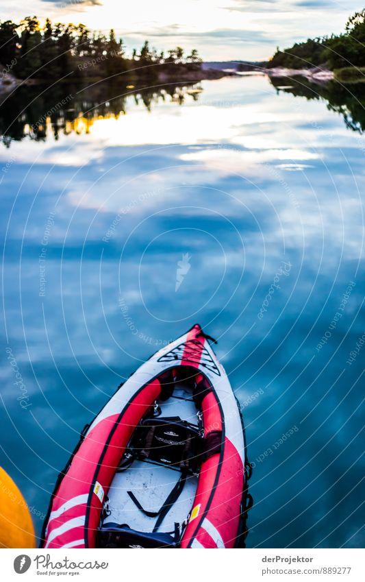 Still und ruhig liegt die See Natur Ferien & Urlaub & Reisen blau Wasser Sommer rot Landschaft Freude Umwelt Gefühle Küste Sport Freiheit Stimmung
