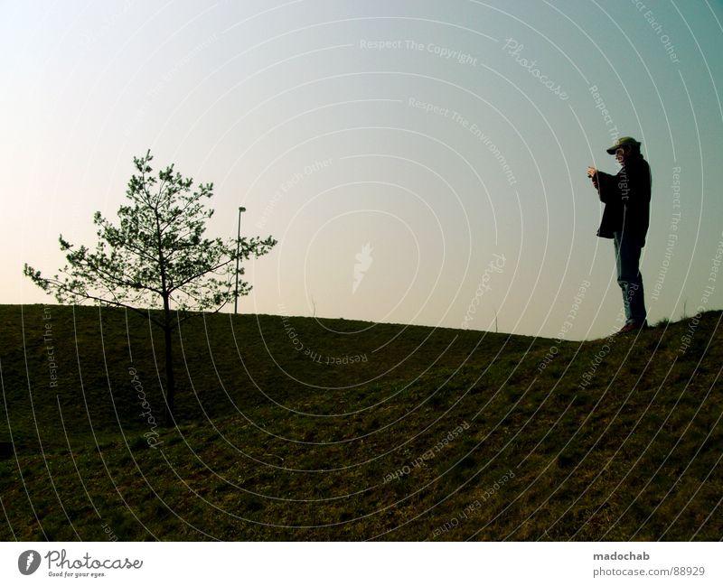 BILD IN BILD Mensch Mann Natur grün Baum Ferien & Urlaub & Reisen Sonne Sommer Einsamkeit Erholung Wiese Leben Berge u. Gebirge Gras Stil Park