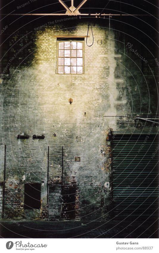 o.T. Licht Einsamkeit dunkel Hinterhof Fenster grau Industrie Backyard Traurigkeit