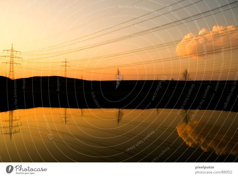 sonnenstrahlen Wolken gefangen geschnitten geschwungen Symbole & Metaphern Sonne Richtung Elektrizität Reflexion & Spiegelung See Gewässer 2 Grenze Spiegelbild