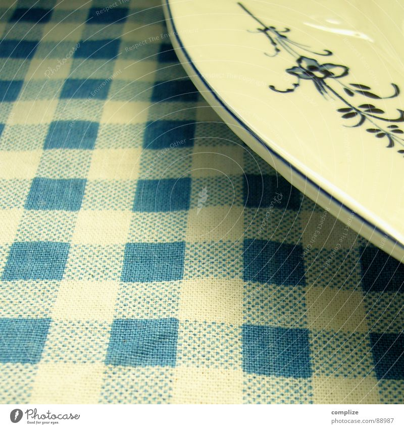 abendbrot° alt blau Pflanze Ernährung Lebensmittel Tisch retro Küche Dekoration & Verzierung Gastronomie Teller Bayern Festessen Mahlzeit Tradition Backwaren