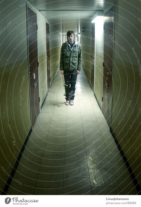 Krinch Trauer Verzweiflung schön sad lonley hallway guy men flower one deep confused jacket sweden sadness