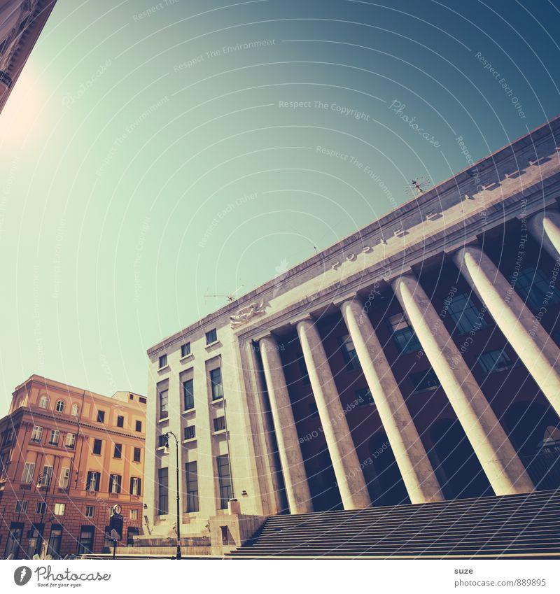 Und ab geht die Post! Ferien & Urlaub & Reisen alt Stadt Reisefotografie Architektur Gebäude Stil Fassade Treppe Design Tourismus groß Kultur Italien historisch