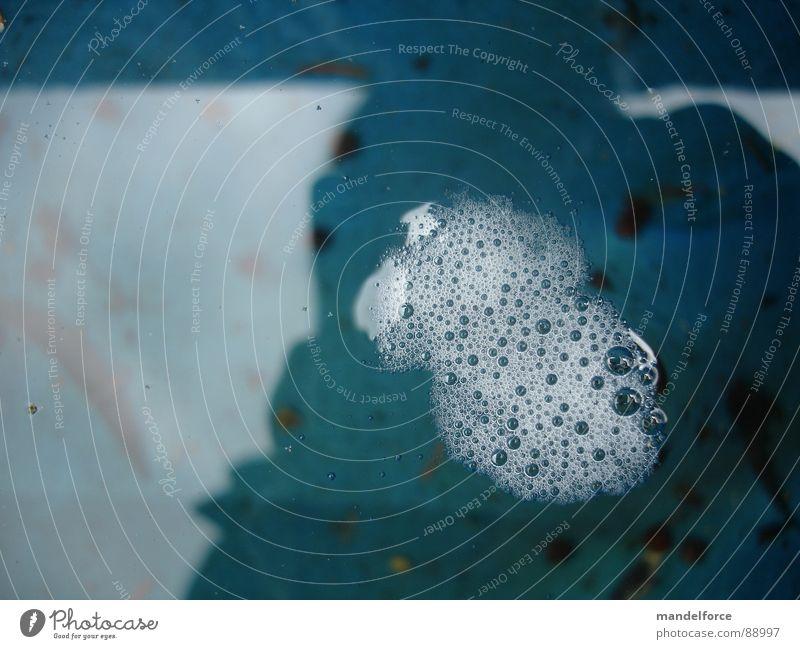 Bläschenbildung blau Wasser klein Regen mehrere viele Blase obskur Ekel Verbundenheit Biologie Speichel