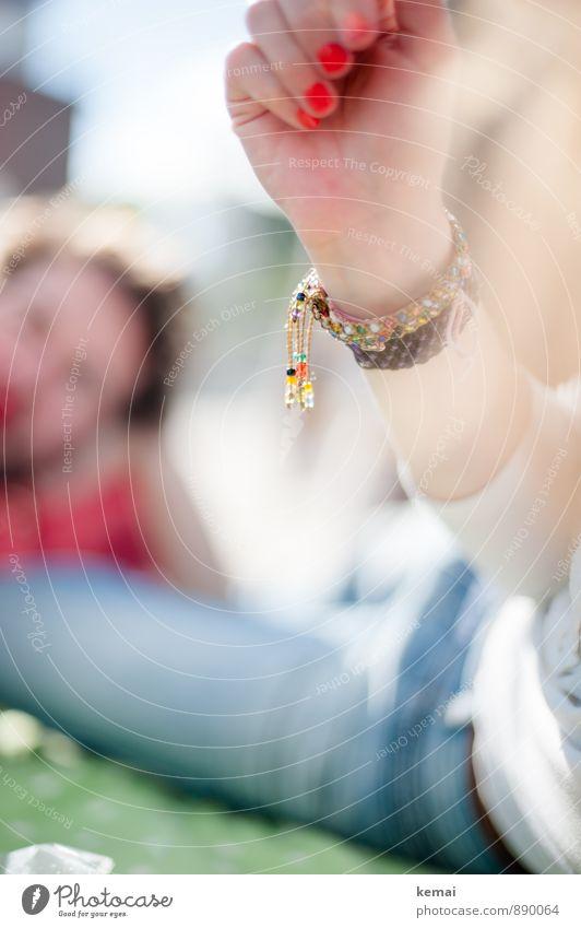 All the small things (3) Lifestyle Mensch Arme Hand Finger Fingernagel Jeanshose Accessoire Schmuck Armband Erholung Freundlichkeit verrückt schön zeigen