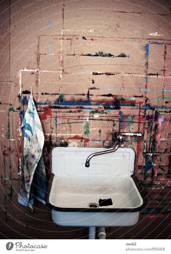 Im Atelier Farbe ruhig Holz Ordnung modern verrückt Idee Sauberkeit rein Gelassenheit Leidenschaft Leichtigkeit hängen Inspiration eckig bizarr