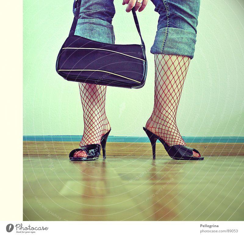 womens world Frau Wand Beine Fuß Schuhe Bodenbelag Jeanshose Netz Strümpfe Tasche Parkett Mensch
