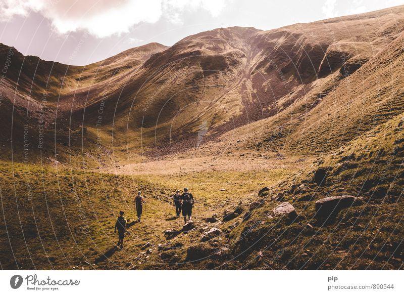 high king 2 Mensch Natur Sommer Wolken Berge u. Gebirge Sport Menschengruppe Felsen Freizeit & Hobby wandern hoch Schönes Wetter Fitness Gipfel Alpen Klettern