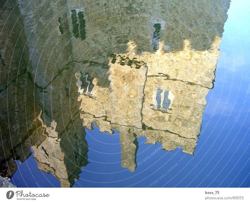 Reflection Wellen Wand historisch reflection castle water billow history middle ages wasser Reflexion & Spiegelung Burg oder Schloss Mauer