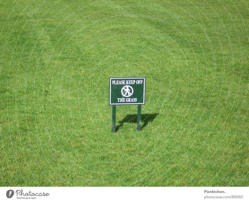 Sperrgebiet grün Sommer Wiese Gras Frühling Garten Park Schilder & Markierungen Rasen Spaziergang Freizeit & Hobby London England Verbote Vorsicht Text